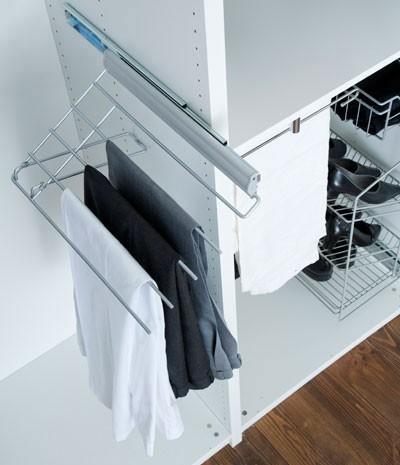 accessoires de rangement porte pantalons coulissant et relevable droite en soldes. Black Bedroom Furniture Sets. Home Design Ideas