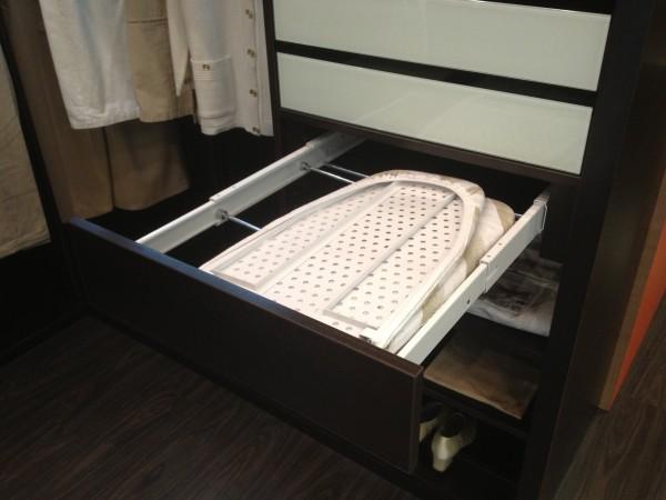 accessoires de rangement planche repasser de placard en. Black Bedroom Furniture Sets. Home Design Ideas