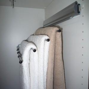 accessoires de rangement porte serviettes coulissant et relevable droite en soldes. Black Bedroom Furniture Sets. Home Design Ideas